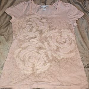 Tee shirt style&co size small pale pink and gold